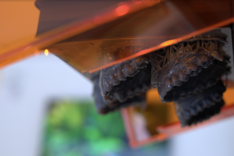 A 3D printer used to print replica smile designs with Digital Smile Design.