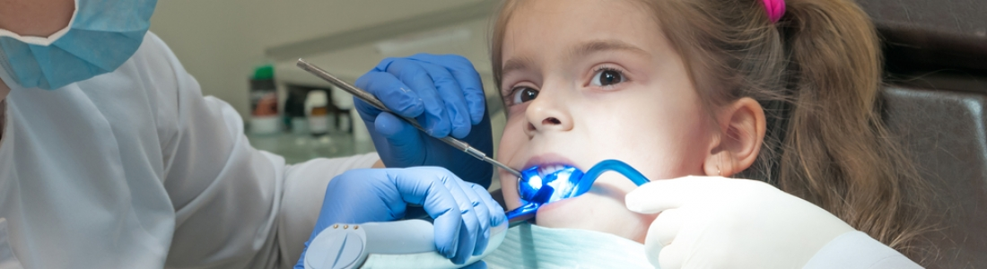 WHEN TO TAKE A CHILD TO THE DENTIST FOR THE FIRST TIME